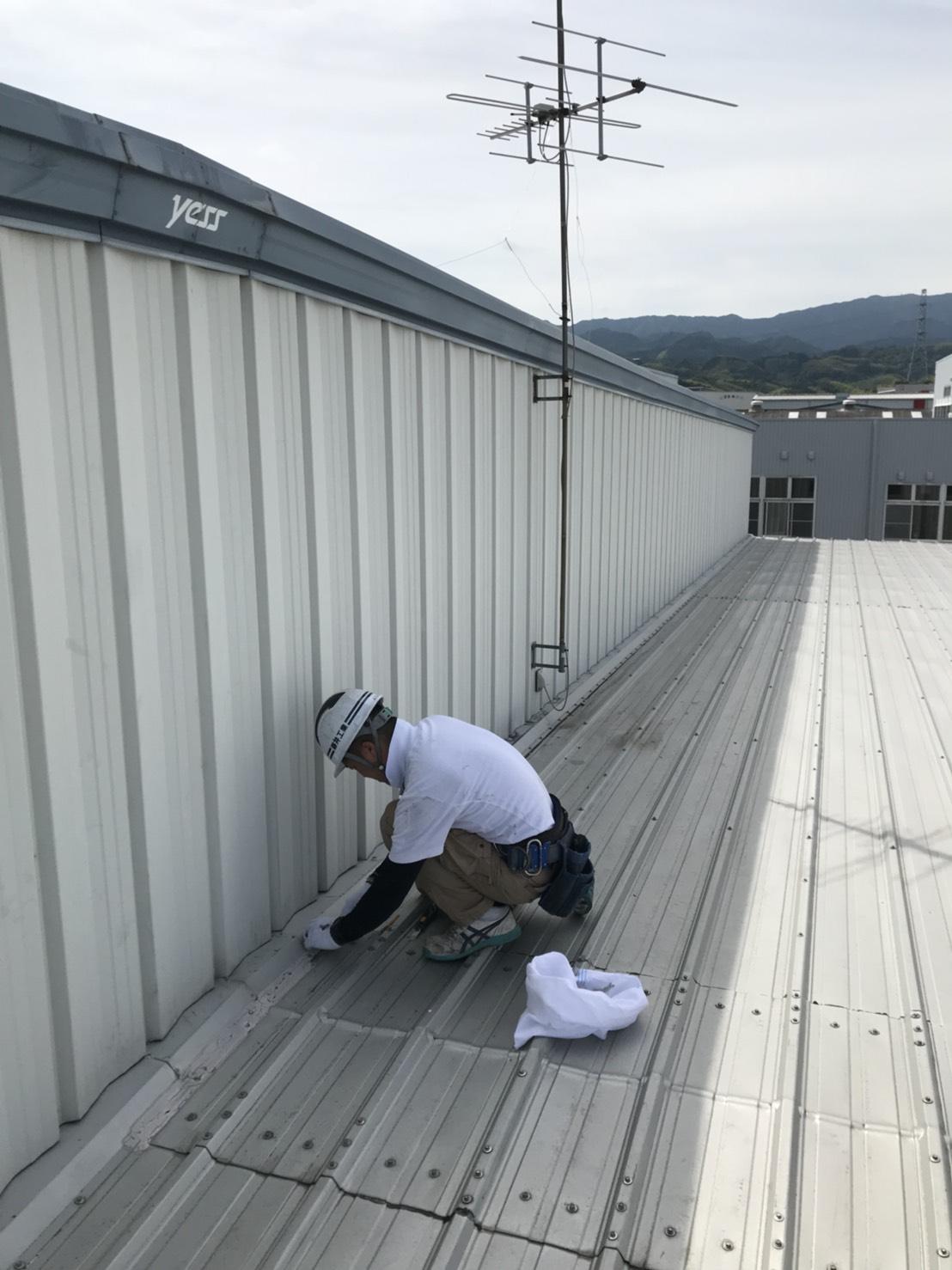 某工場の屋根のリフォーム